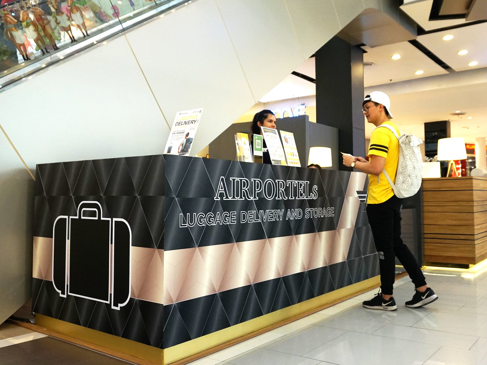 ctw,airportels,luggage deposit,luggage delivery,luggage storage, Central World Luggage Delivery